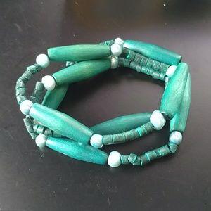 🔥5/$15 green wooden stretch bracelet